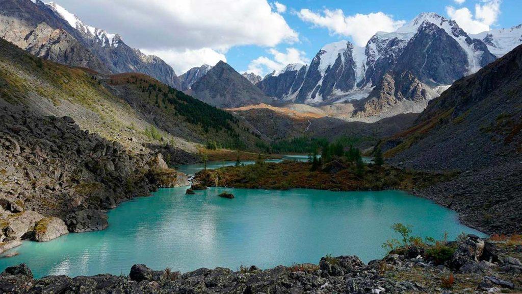 Среднее Шавлинское озеро Алтай