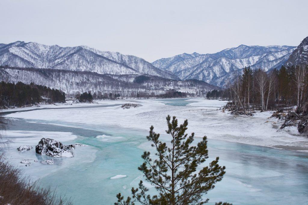 Алтай катунь декабрь
