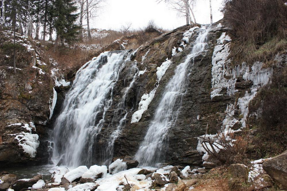 Водопад Пещерка Алтай