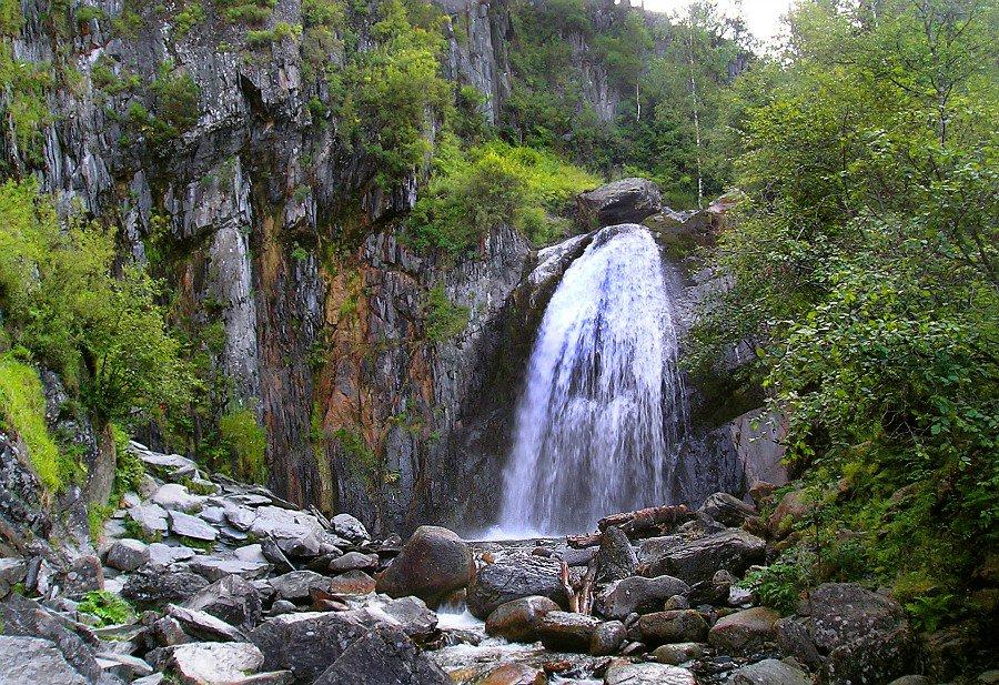 Водопад Корбу Алтайский Край