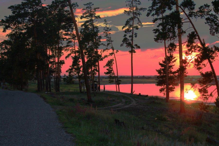 малиновое озеро закат