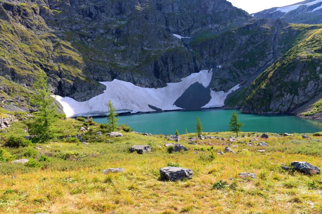 Озеро горы Красная