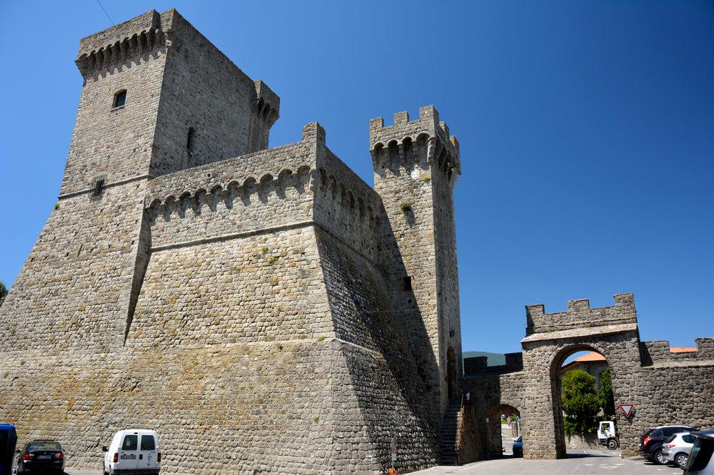 Aldobrandeschi крепость