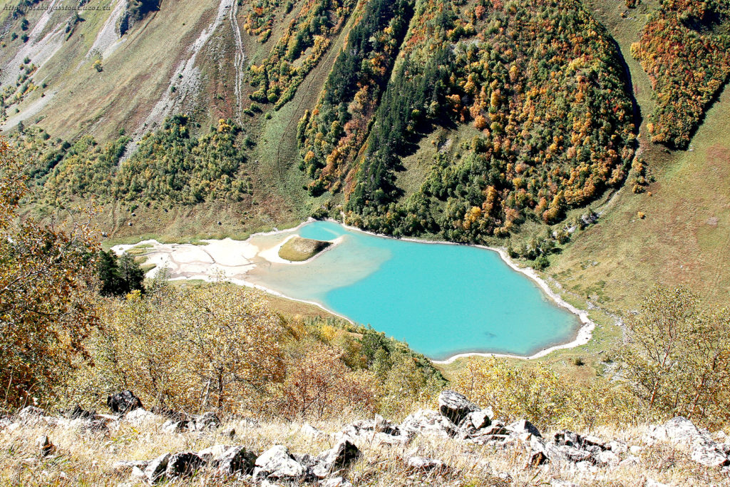 долина Лаштрак Кислый источник