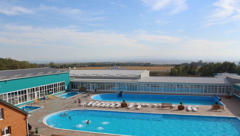 Жемчужина Кавказа открытый бассейн