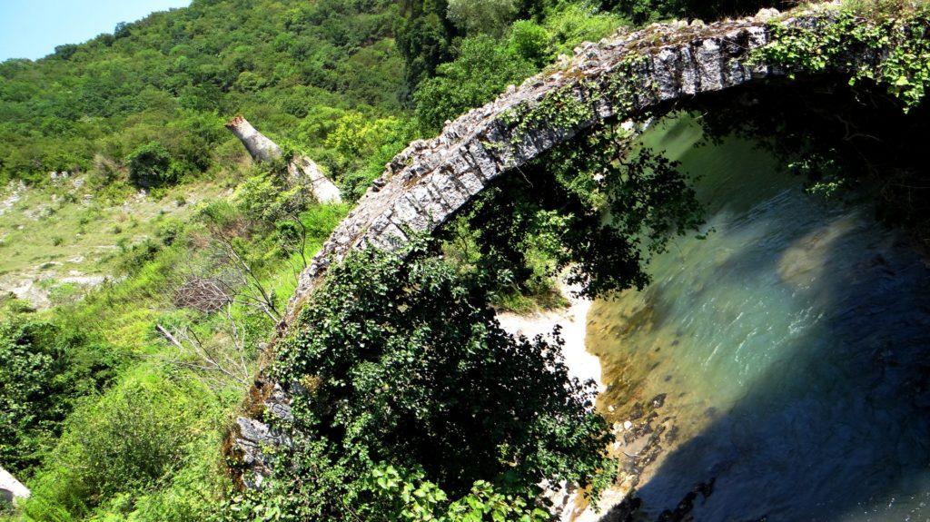 Беслетка Мост
