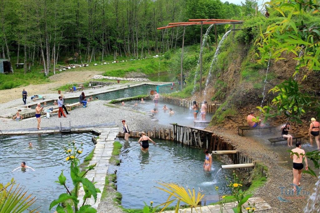 Термальные источники на территории села Кындыг