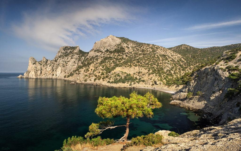 Голубая бухта Крым