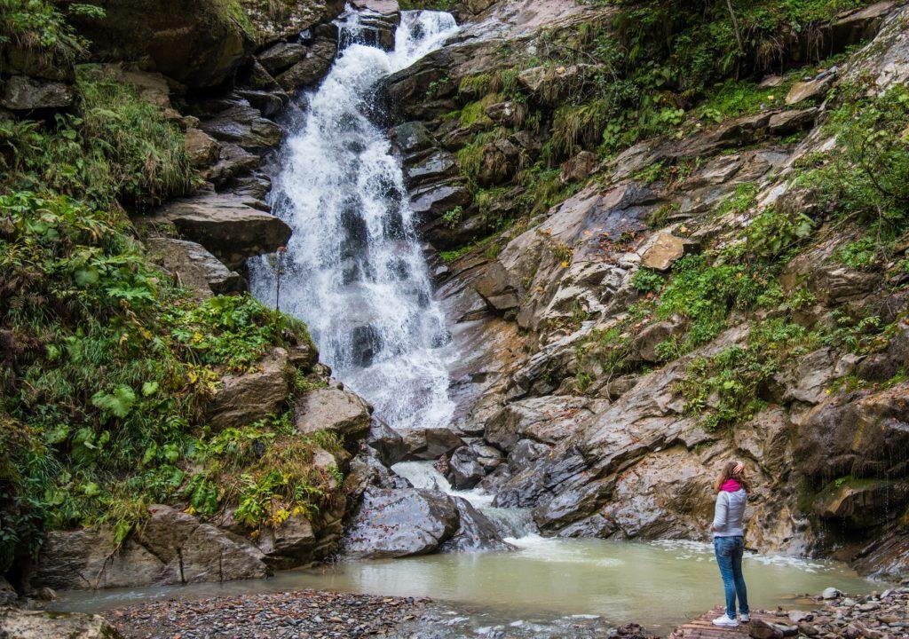 Путь к водопадам Роза Хутор