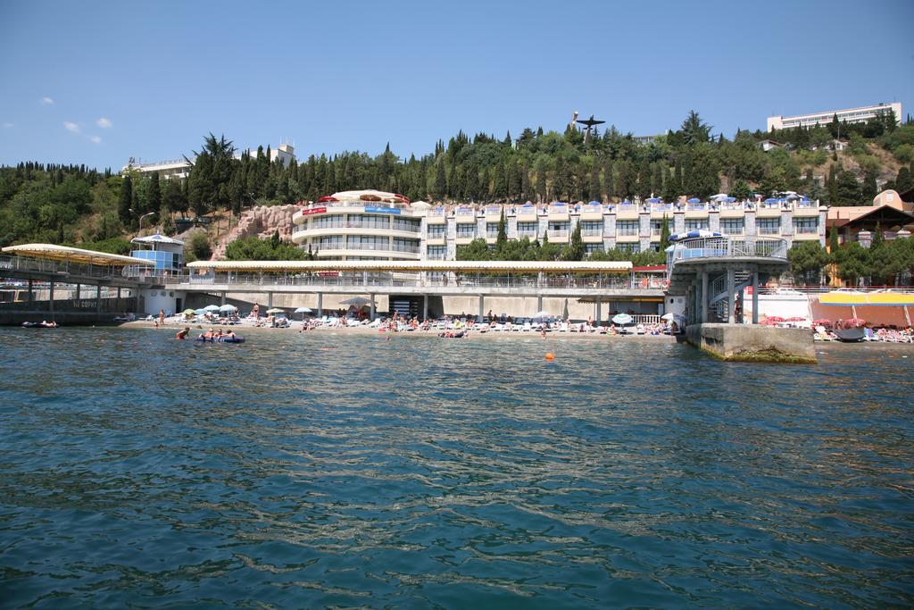 Отель сказка Алушта